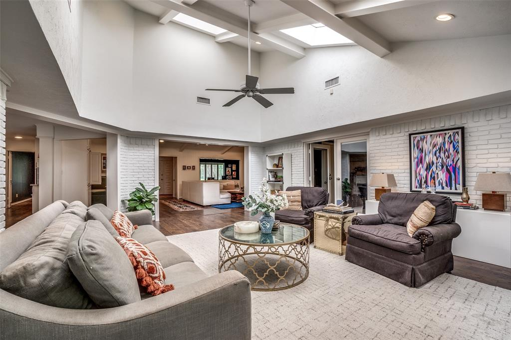 4240 Glenaire  Drive, Dallas, Texas 75229 - acquisto real estate best real estate company in frisco texas real estate showings