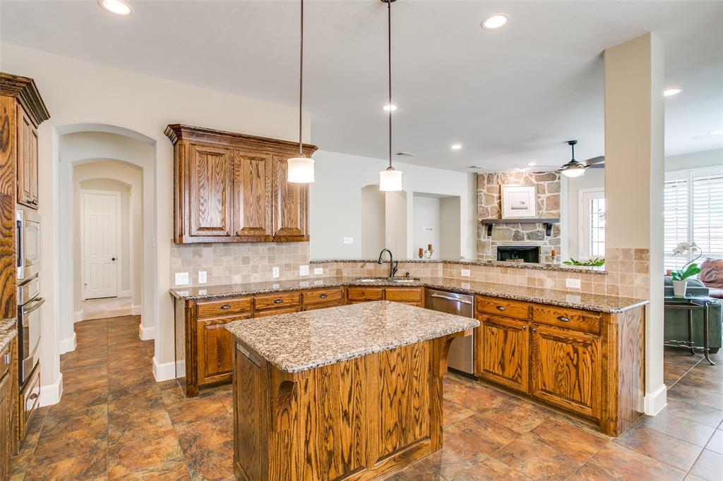 1308 Foxglove  Circle, Lantana, Texas 76226 - acquisto real estate best highland park realtor amy gasperini fast real estate service