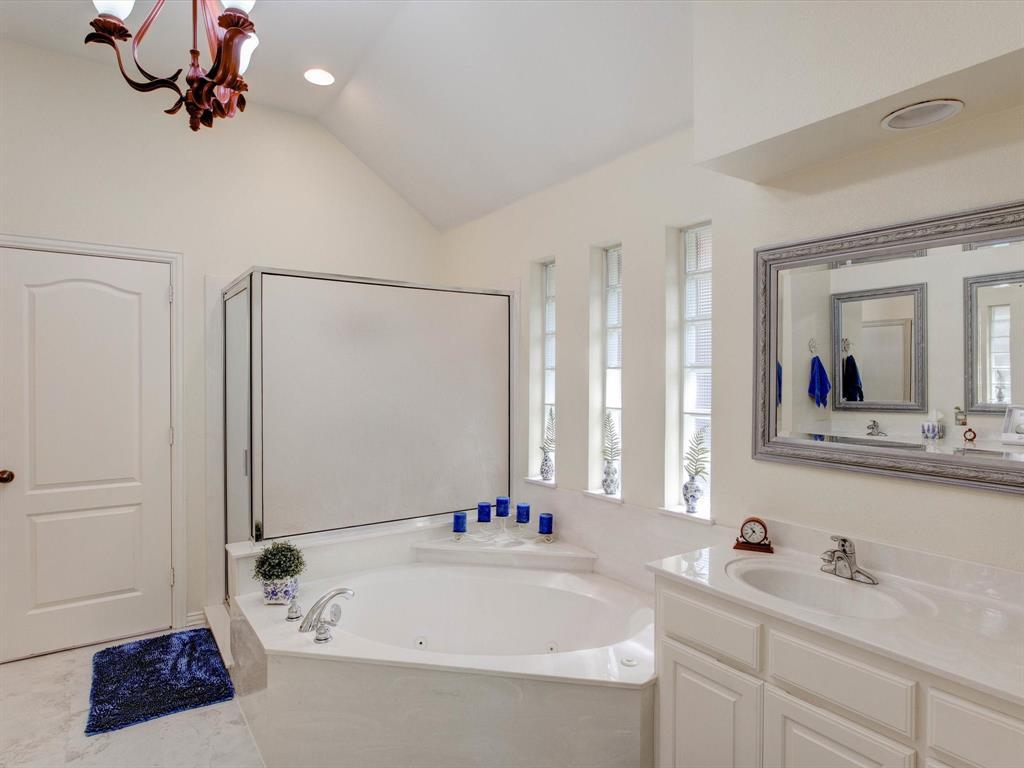 9814 Ravenswood  Road, Granbury, Texas 76049 - acquisto real estate best new home sales realtor linda miller executor real estate