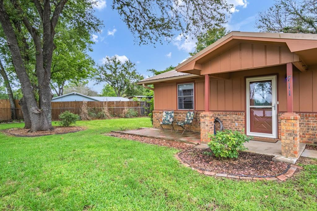 711 Water Crest  Circle, Canton, Texas 75103 - acquisto real estate best listing listing agent in texas shana acquisto rich person realtor