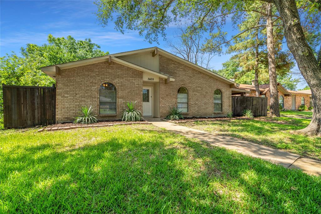 3405 Meadow Oaks  Drive, Garland, Texas 75043 - Acquisto Real Estate best frisco realtor Amy Gasperini 1031 exchange expert