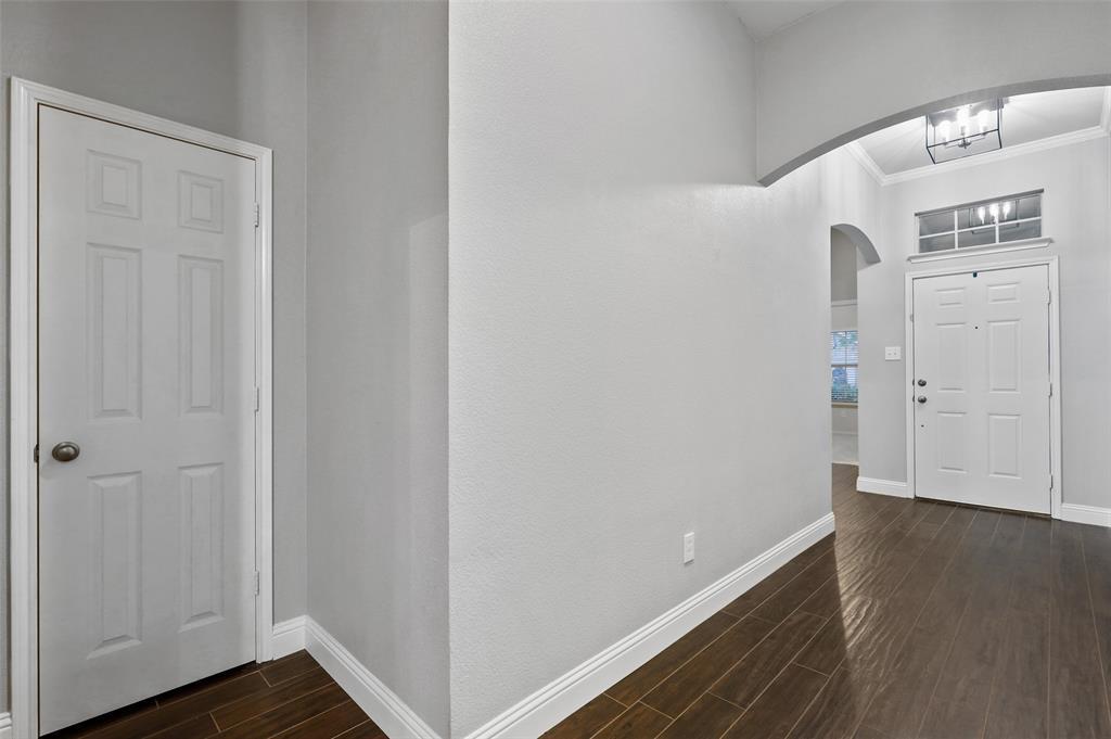 1432 Castlegar  Lane, Fort Worth, Texas 76247 - acquisto real estate best prosper realtor susan cancemi windfarms realtor
