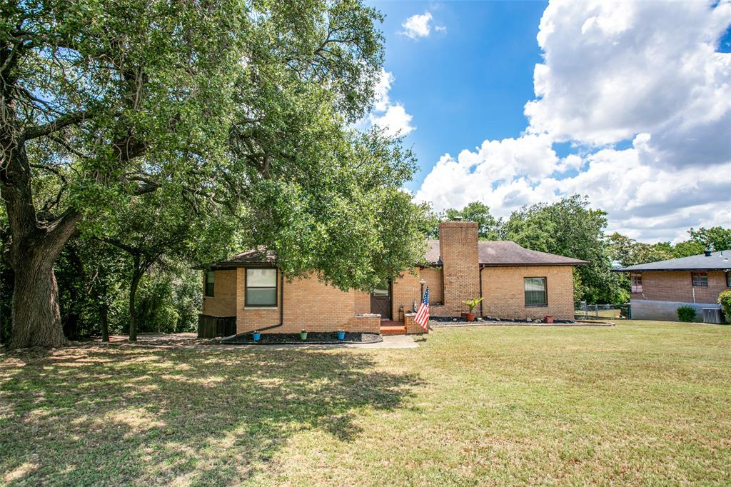 2208 Timberline  Drive, Fort Worth, Texas 76119 - Acquisto Real Estate best frisco realtor Amy Gasperini 1031 exchange expert