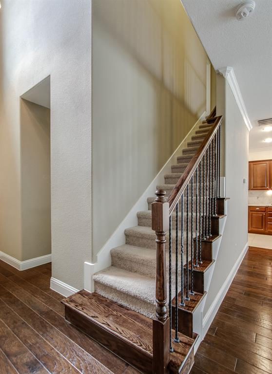 385 Busher  Drive, Lewisville, Texas 75067 - acquisto real estate best photos for luxury listings amy gasperini quick sale real estate