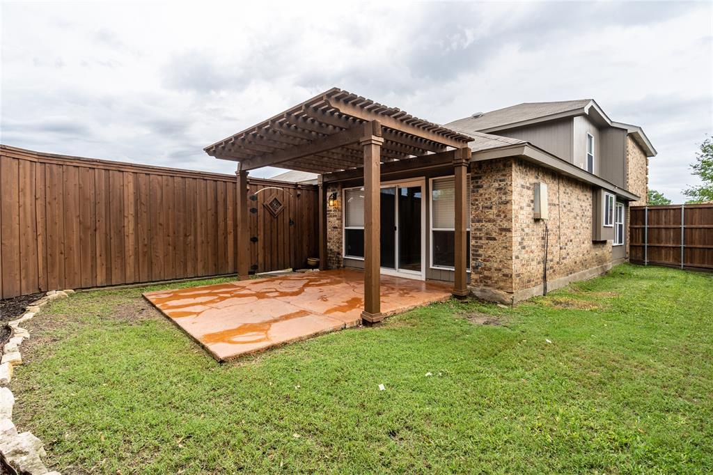 998 Acorn  Drive, Lewisville, Texas 75067 - acquisto real estate best celina realtor logan lawrence best dressed realtor