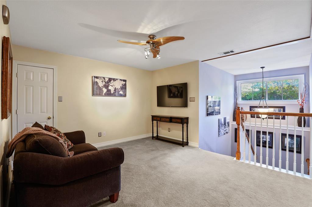 407 Clover Leaf  Lane, McKinney, Texas 75072 - acquisto real estate best frisco real estate agent amy gasperini panther creek realtor