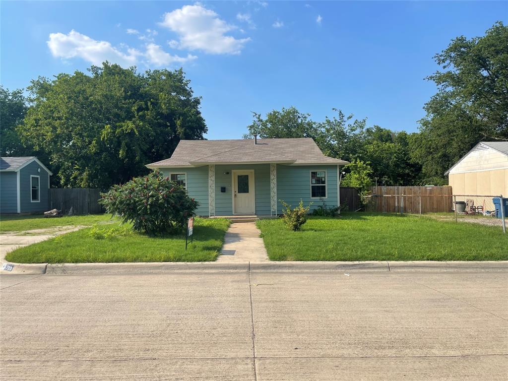 1709 Glenn  Drive, Blue Mound, Texas 76131 - Acquisto Real Estate best frisco realtor Amy Gasperini 1031 exchange expert