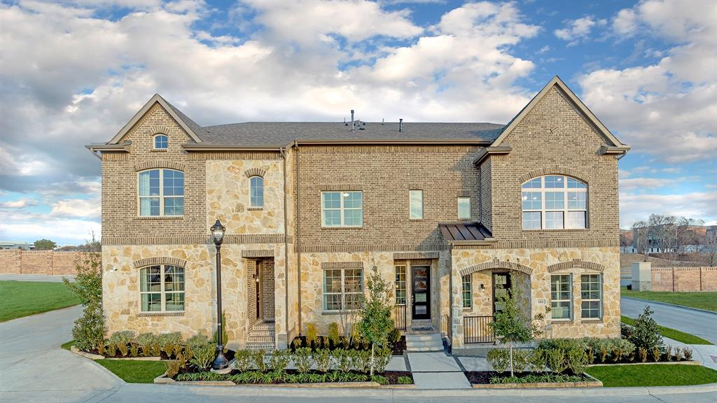 2909 Troutt  Drive, Carrollton, Texas 75010 - Acquisto Real Estate best frisco realtor Amy Gasperini 1031 exchange expert