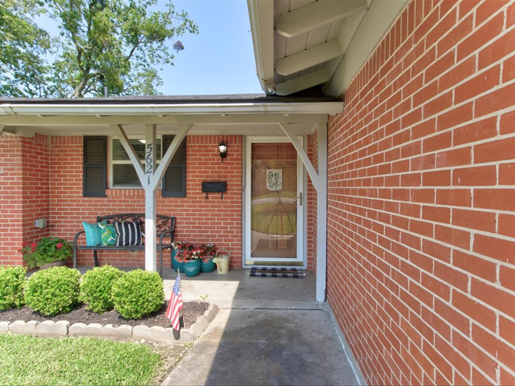 5621 Wedgworth  Road, Fort Worth, Texas 76133 - acquisto real estate best prosper realtor susan cancemi windfarms realtor