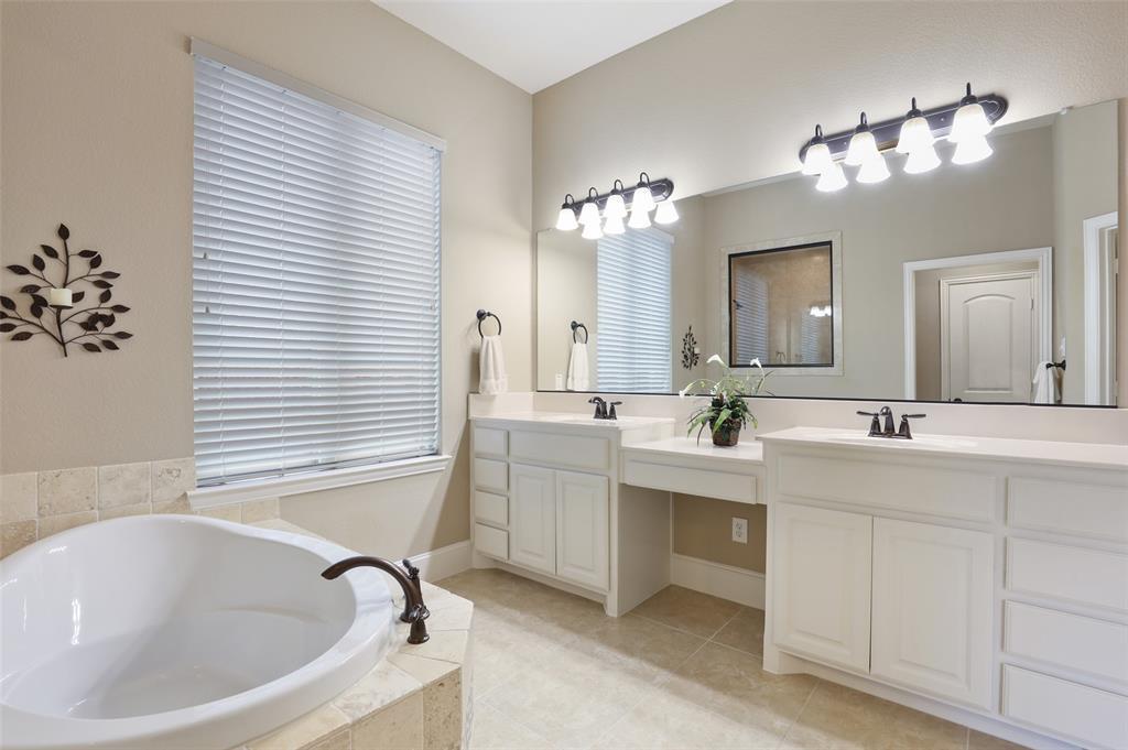 1624 Golf Club  Drive, Lantana, Texas 76226 - acquisto real estate best photo company frisco 3d listings