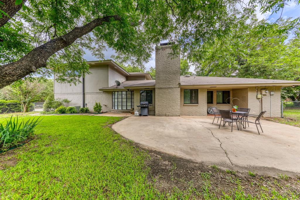 807 Hilltop  Drive, Weatherford, Texas 76086 - acquisto real estate best photo company frisco 3d listings