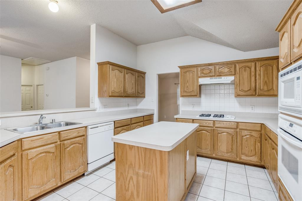 1514 Pine Bluff  Drive, Allen, Texas 75002 - acquisto real estate best real estate company in frisco texas real estate showings