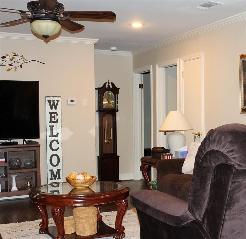 102 Las Brisas  Street, Gun Barrel City, Texas 75156 - acquisto real estate best designer and realtor hannah ewing kind realtor