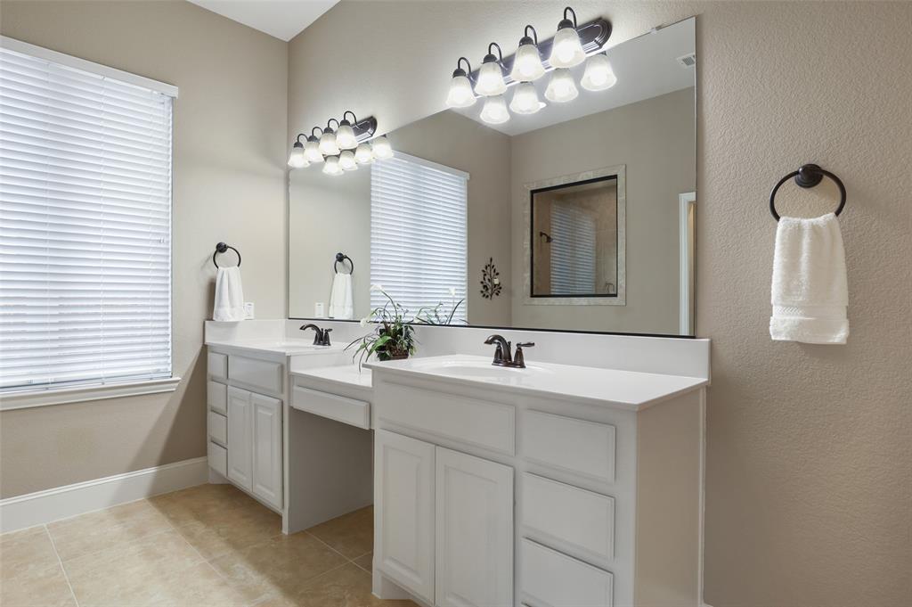 1624 Golf Club  Drive, Lantana, Texas 76226 - acquisto real estate best listing photos hannah ewing mckinney real estate expert