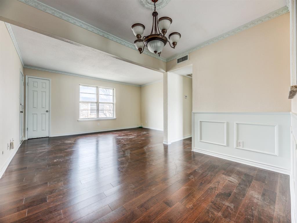 5833 Sandhurst  Lane, Dallas, Texas 75206 - Acquisto Real Estate best plano realtor mike Shepherd home owners association expert