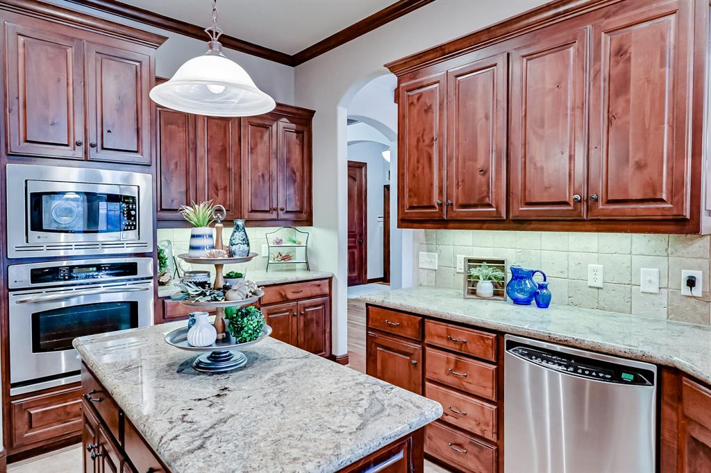 1040 Falcon Creek  Drive, Kennedale, Texas 76060 - acquisto real estate best style realtor kim miller best real estate reviews dfw
