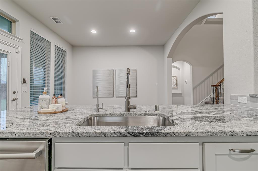 721 Wilmington  Lane, Savannah, Texas 76227 - acquisto real estate best listing agent in the nation shana acquisto estate realtor