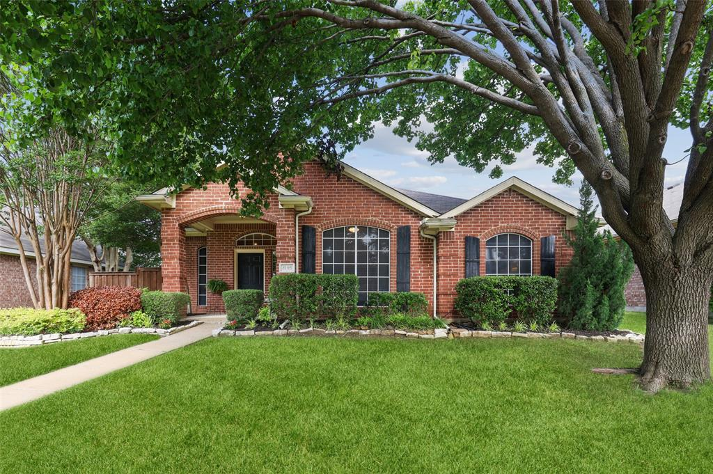 8105 Bells  Street, Frisco, Texas 75035 - Acquisto Real Estate best plano realtor mike Shepherd home owners association expert