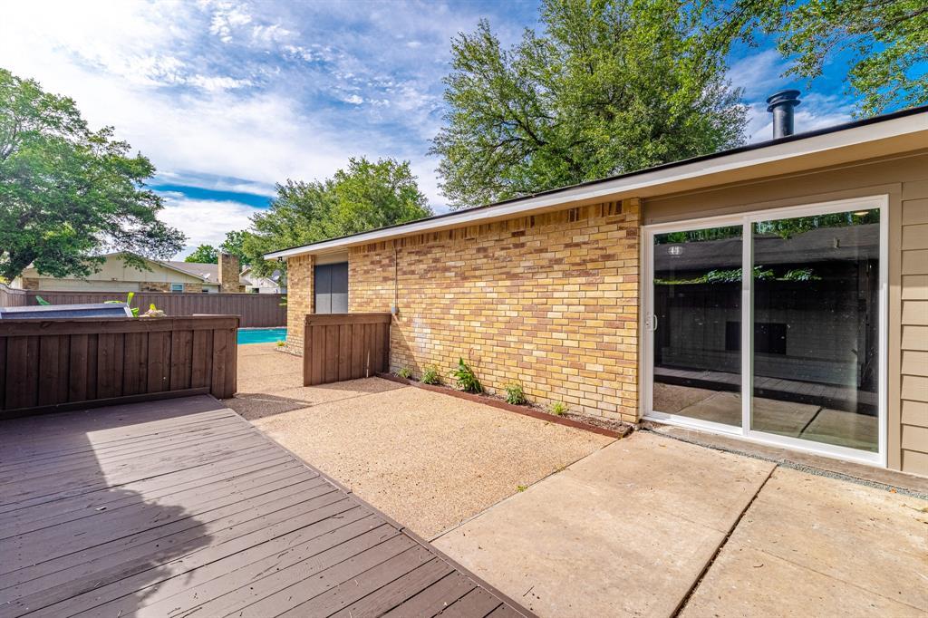6221 Glenmoor  Drive, Garland, Texas 75043 - acquisto real estate smartest realtor in america shana acquisto