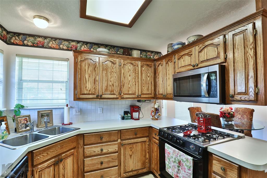 918 Reeves  Street, Abilene, Texas 79602 - acquisto real estate best luxury buyers agent in texas shana acquisto inheritance realtor