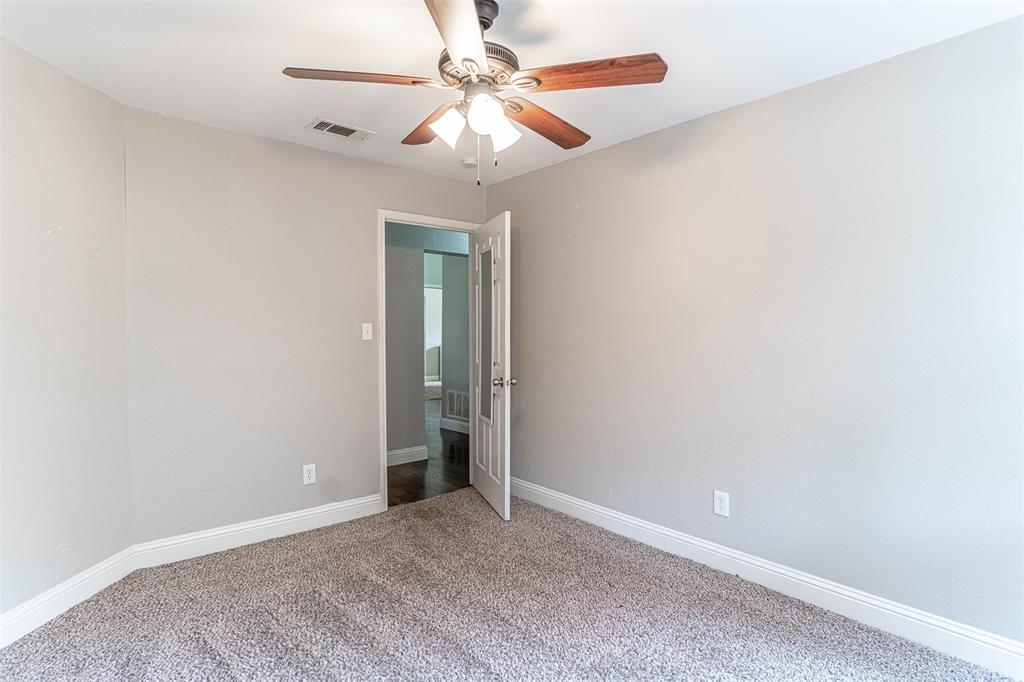 4205 Whitman  Lane, Grand Prairie, Texas 75052 - acquisto real estate best park cities realtor kim miller best staging agent