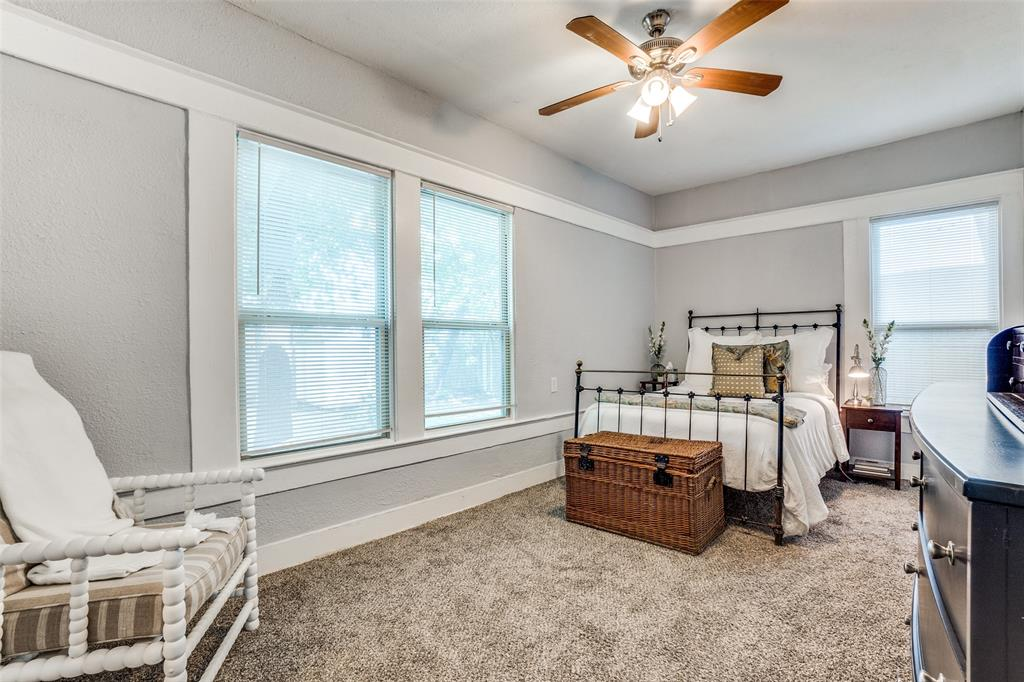 810 Elsbeth  Street, Dallas, Texas 75208 - acquisto real estate best new home sales realtor linda miller executor real estate
