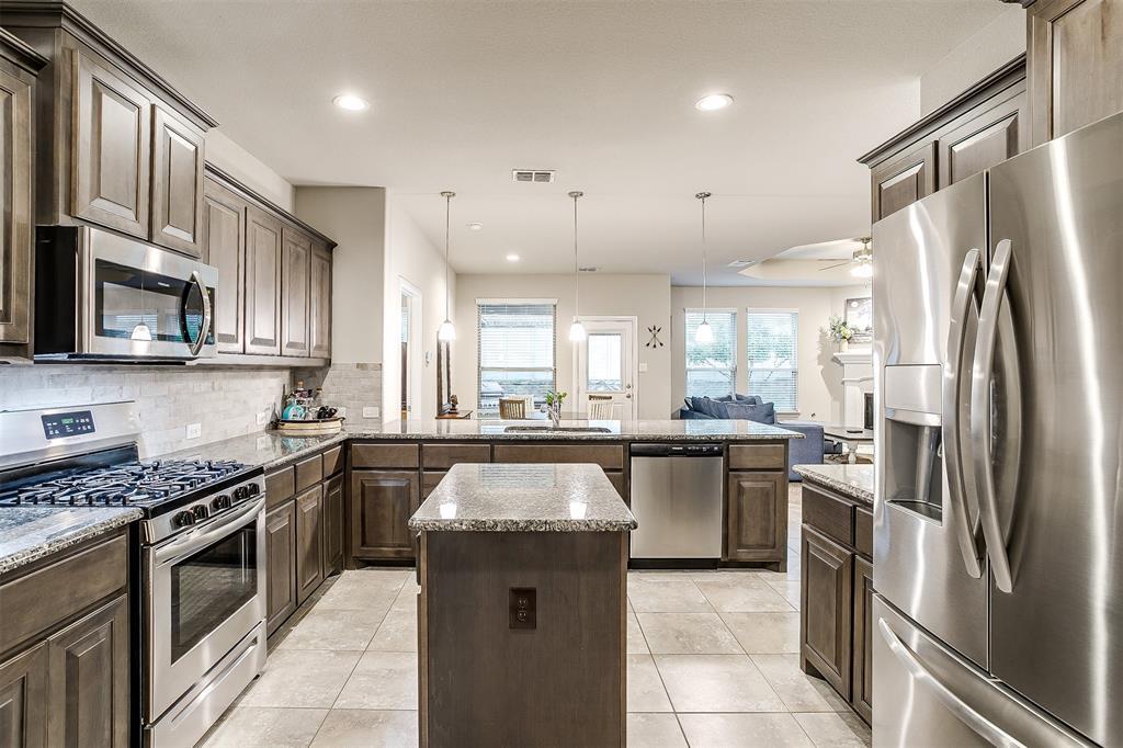 817 Dove  Cove, Argyle, Texas 76226 - acquisto real estate best luxury buyers agent in texas shana acquisto inheritance realtor