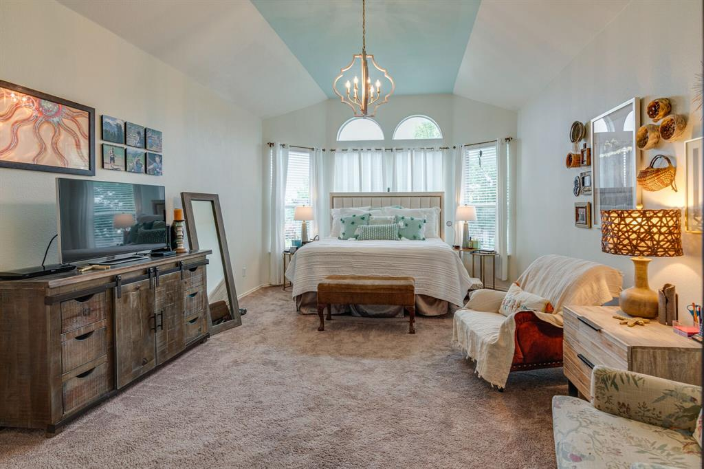 947 Yucca  Court, Burleson, Texas 76028 - acquisto real estate best frisco real estate broker in texas for high net worth buyers