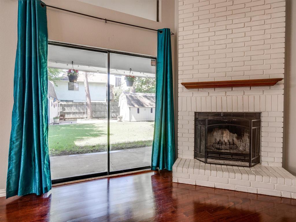 210 Mahogany  Drive, Arlington, Texas 76018 - acquisto real estate best celina realtor logan lawrence best dressed realtor