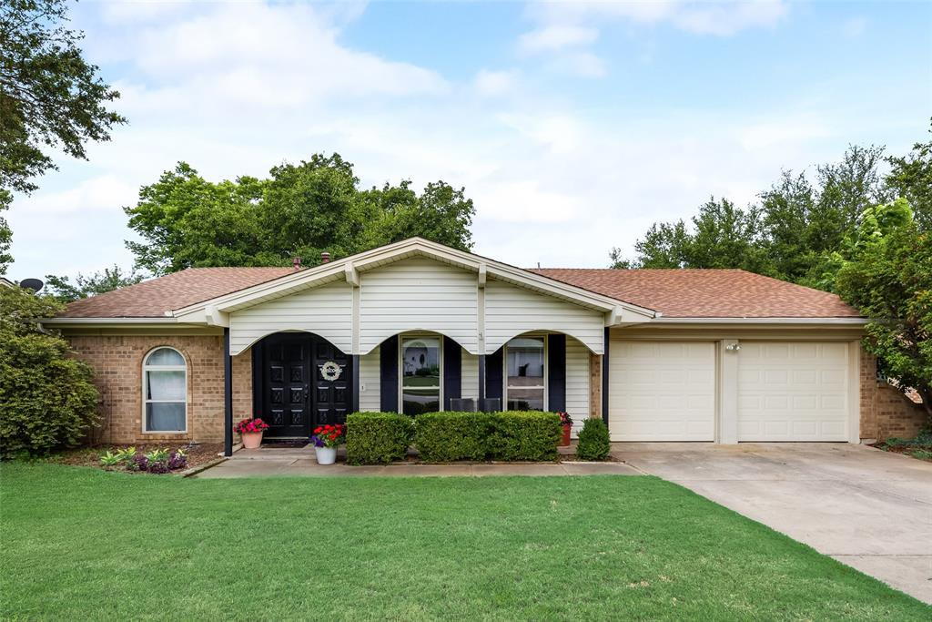 2133 Mountainview  Drive, Hurst, Texas 76054 - Acquisto Real Estate best plano realtor mike Shepherd home owners association expert