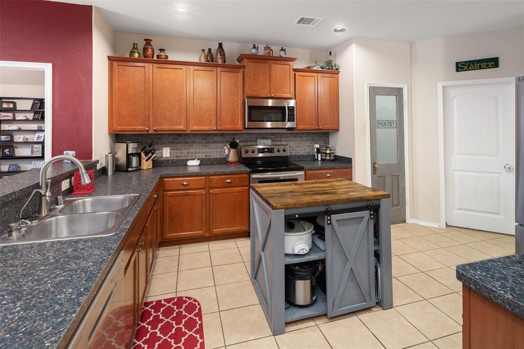 1806 Carol  Lane, Anna, Texas 75409 - acquisto real estate best highland park realtor amy gasperini fast real estate service
