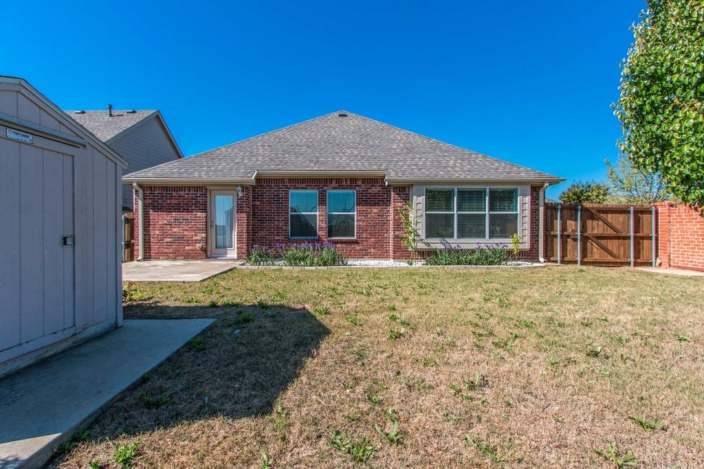 9401 Athens  Drive, Denton, Texas 76226 - acquisto real estate best frisco real estate agent amy gasperini panther creek realtor