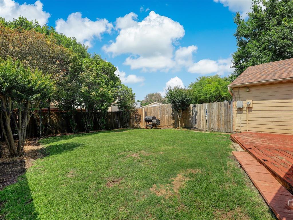 2121 Lansdown  Drive, Carrollton, Texas 75010 - acquisto real estate best real estate follow up system katy mcgillen