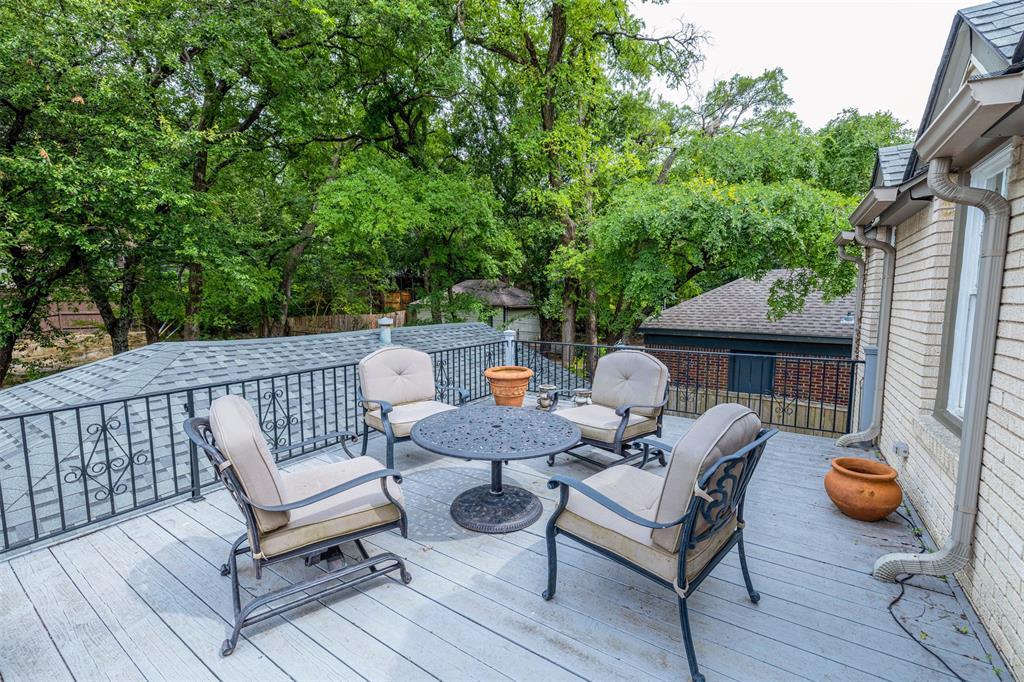1154 Edgefield  Avenue, Dallas, Texas 75208 - acquisto real estate best allen realtor kim miller hunters creek expert