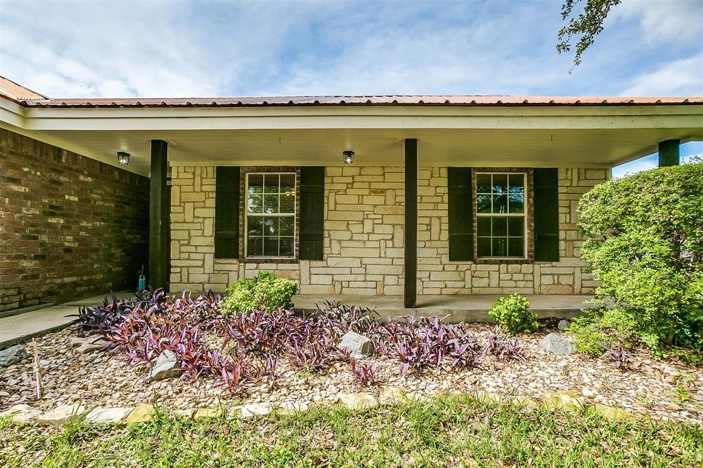 1107 6th  Street, Springtown, Texas 76082 - acquisto real estate best real estate follow up system katy mcgillen