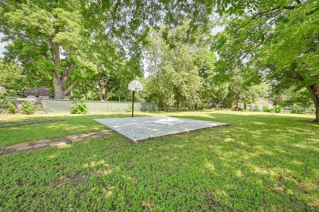 2401 Ben  Avenue, Fort Worth, Texas 76103 - acquisto real estate best the colony realtor linda miller the bridges real estate