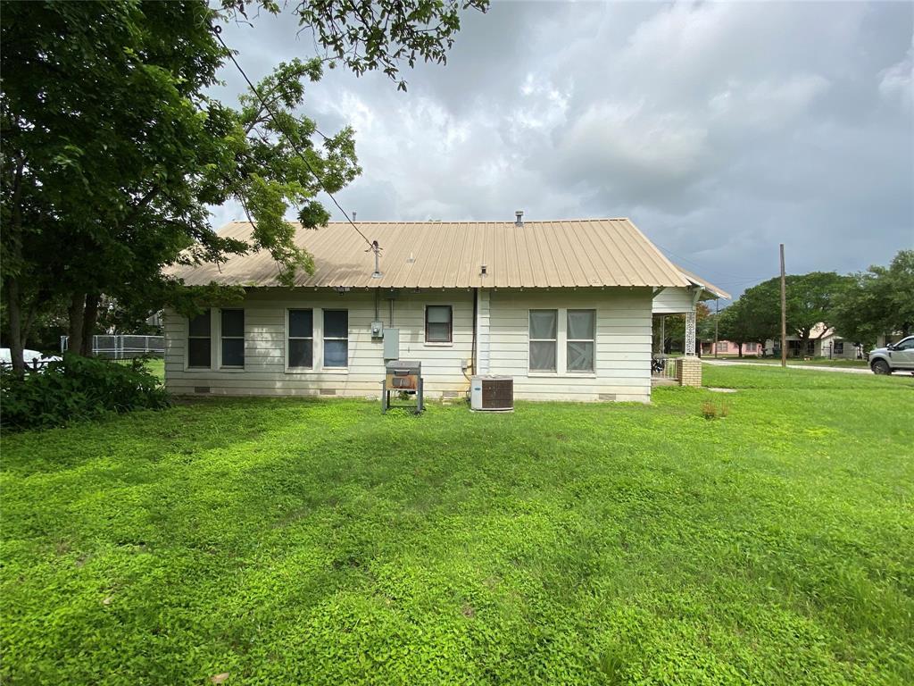 712 Henry  Street, Hamilton, Texas 76531 - acquisto real estate best allen realtor kim miller hunters creek expert