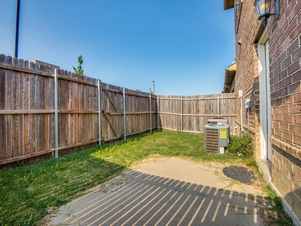 110 Barrington  Lane, Lewisville, Texas 75067 - acquisto real estate best realtor foreclosure real estate mike shepeherd walnut grove realtor