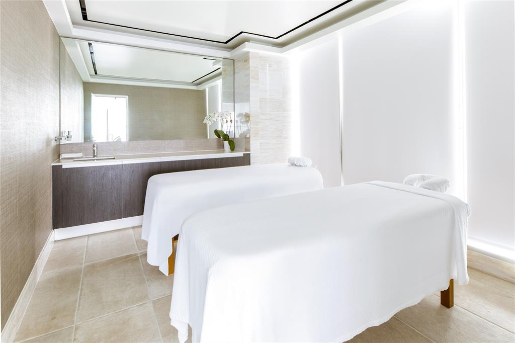 3130 Harwood  Street, Dallas, Texas 75201 - acquisto real estate mvp award real estate logan lawrence