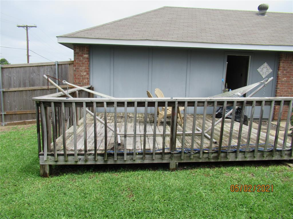 917 Old Barn  Lane, Mesquite, Texas 75149 - acquisto real estate best negotiating realtor linda miller declutter realtor