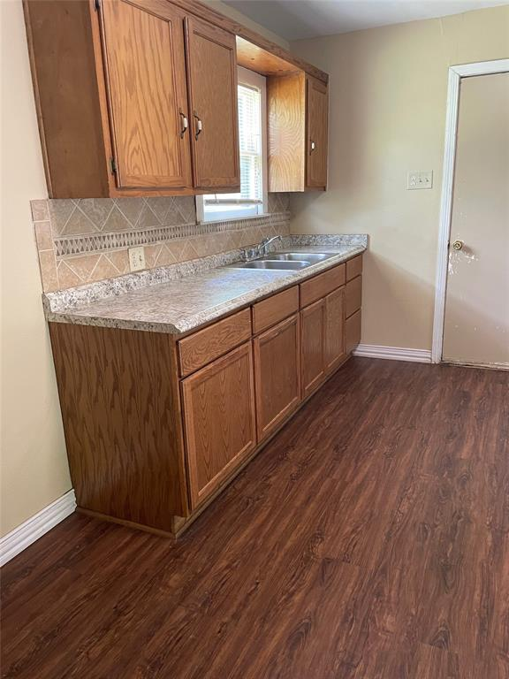 1028 Tyler  Street, Gainesville, Texas 76240 - acquisto real estate best celina realtor logan lawrence best dressed realtor