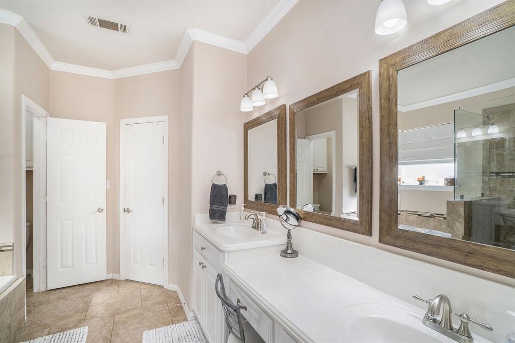1608 Donna  Lane, Bedford, Texas 76022 - acquisto real estate best new home sales realtor linda miller executor real estate
