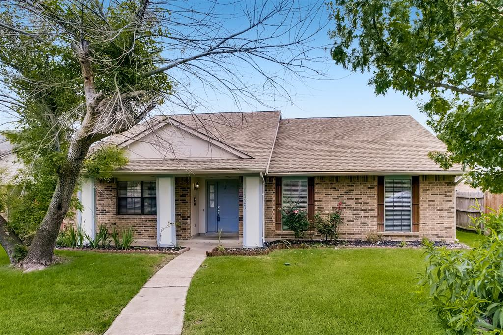 1320 Heidi  Drive, Plano, Texas 75025 - Acquisto Real Estate best plano realtor mike Shepherd home owners association expert