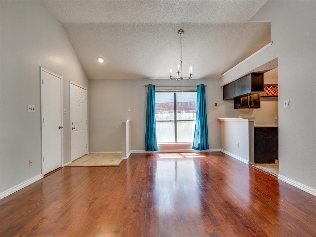 210 Mahogany  Drive, Arlington, Texas 76018 - acquisto real estate best highland park realtor amy gasperini fast real estate service
