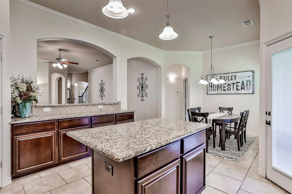 1412 Mesa Flats  Drive, Fort Worth, Texas 76052 - acquisto real estate best new home sales realtor linda miller executor real estate