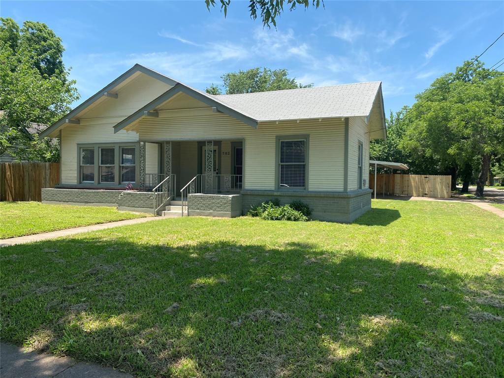 702 Williams  Avenue, Cleburne, Texas 76033 - Acquisto Real Estate best frisco realtor Amy Gasperini 1031 exchange expert