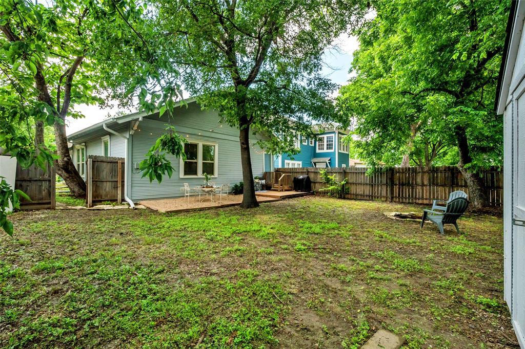 810 Elsbeth  Street, Dallas, Texas 75208 - acquisto real estate best realtor foreclosure real estate mike shepeherd walnut grove realtor