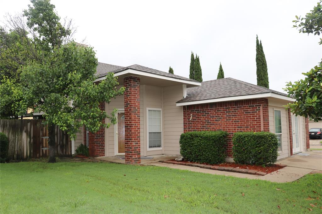 812 Earnest  Drive, Grand Prairie, Texas 75052 - acquisto real estate best the colony realtor linda miller the bridges real estate
