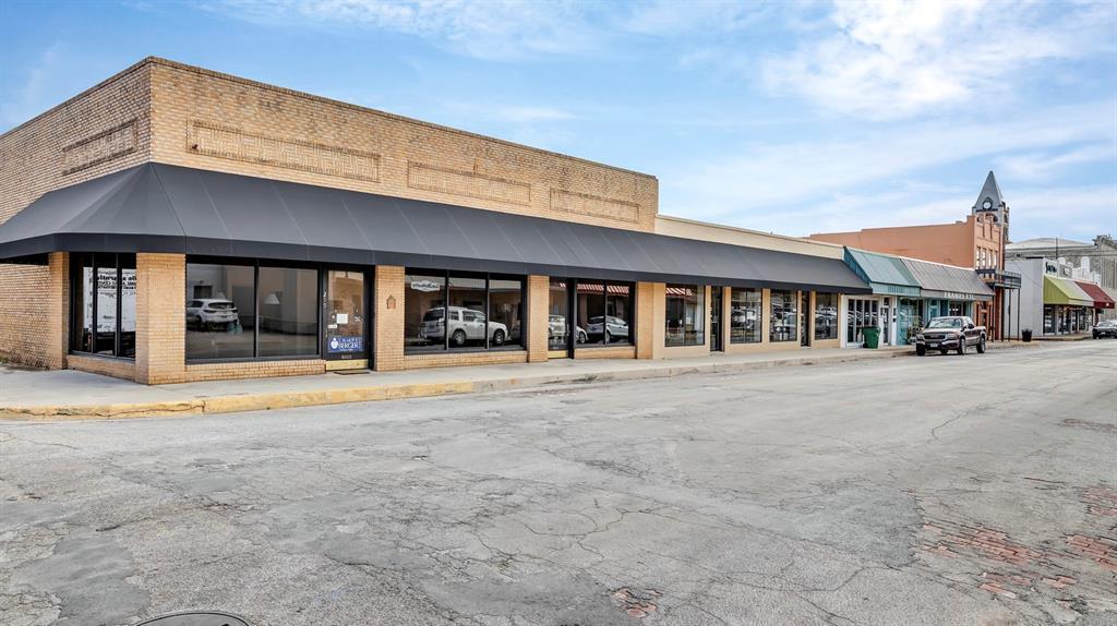 245,299 Belknap  Stephenville, Texas 76401 - Acquisto Real Estate best frisco realtor Amy Gasperini 1031 exchange expert