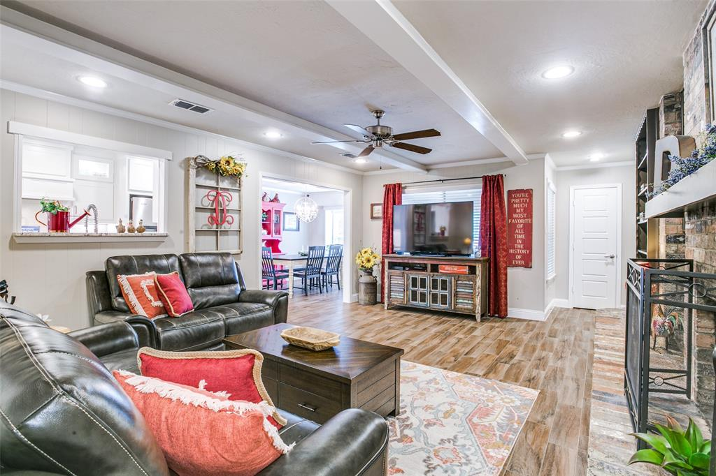 809 Wheelwood  Drive, Hurst, Texas 76053 - acquisto real estate best real estate company to work for